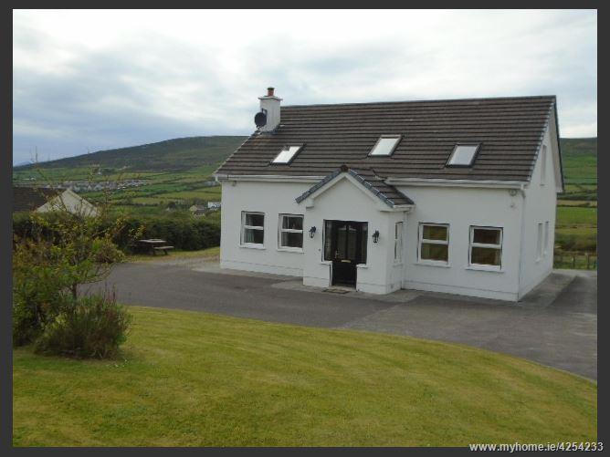 Main image for Dingle Bay,Conor Pass Road, Dingle,  Kerry, Ireland. V92 D5Y4.