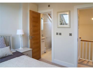 Main image of Mews apartment off Merrion Square, South City Centre, Dublin 2