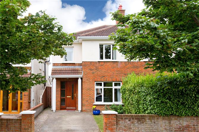 Main image for 8 Woodstown Crescent,Knocklyon,Dublin 16,D16 CD51