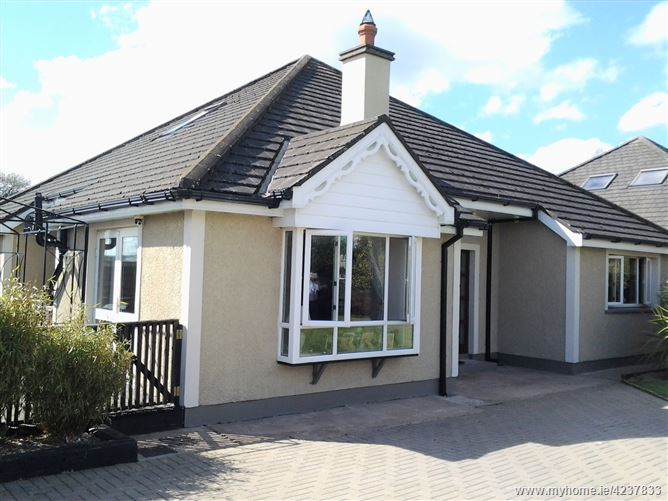 No. 3 Holt Crescent, Tinahely, Wicklow