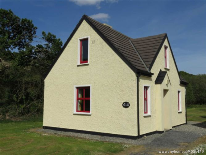 44 Clifden Glen, Clifden, Galway