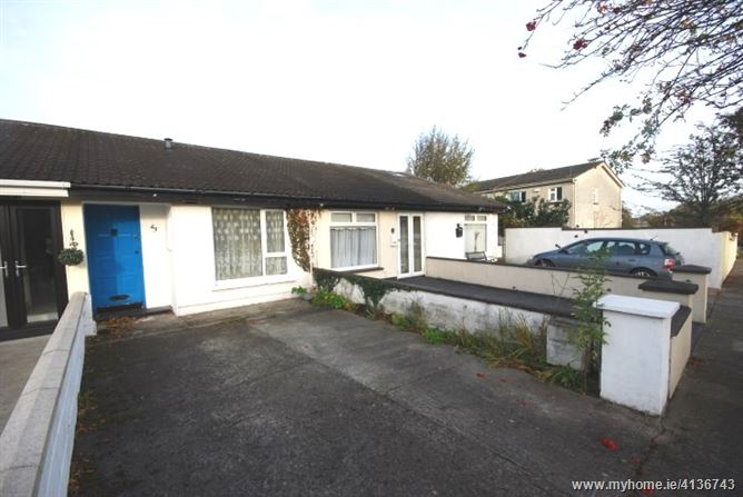Photo of 43 Oak Court Lawns, Palmerstown, Dublin 20