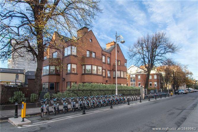 Photo of 9 The Plantation, Herbert Street, Dublin 2
