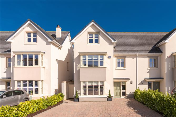 Main image for 29 The Crescent, Pipers Hill, Naas, Co. Kildare, Naas, Kildare, W91H6V2