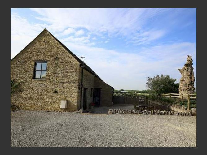 Main image for The Old Oak Tree Barn, LEAFIELD, United Kingdom