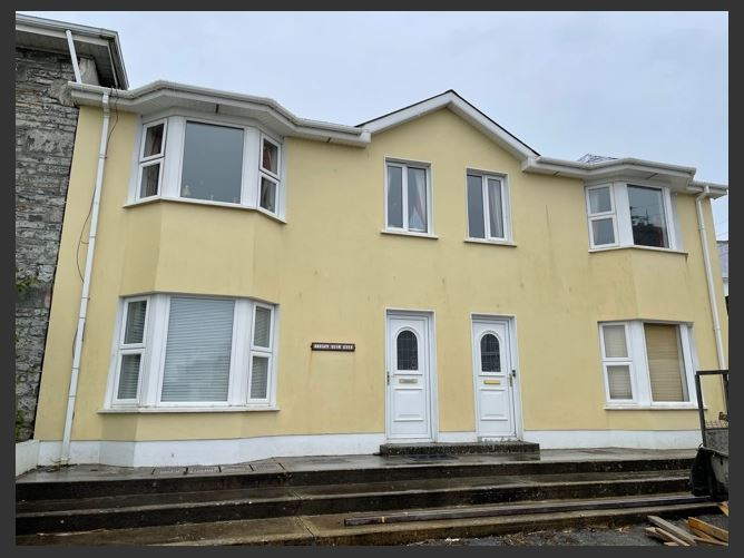 Main image for 4 Olympia Apartments, Merton Square, West End, Kilkee, Clare