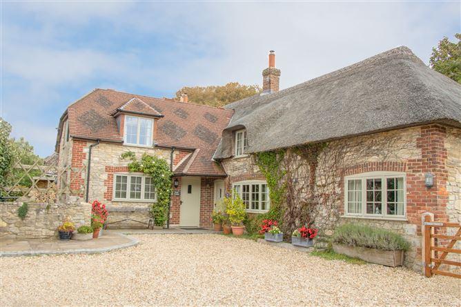 Main image for Forge Cottage, WEST LULWORTH, United Kingdom
