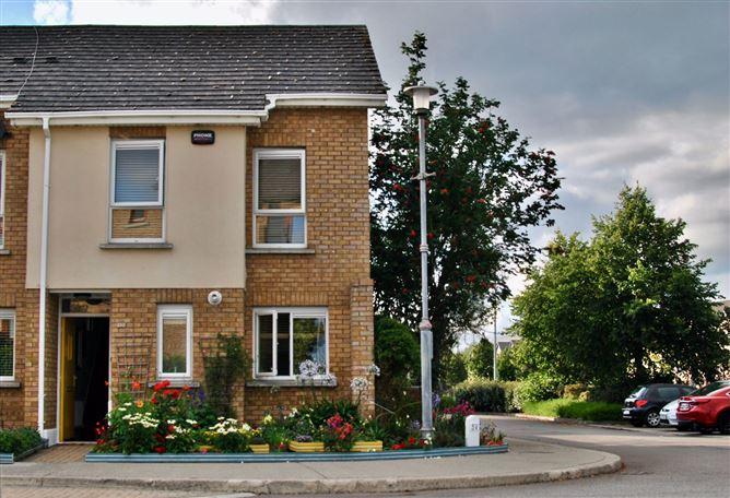 Main image for 18 Fernleigh Dale, Castleknock, Dublin 15