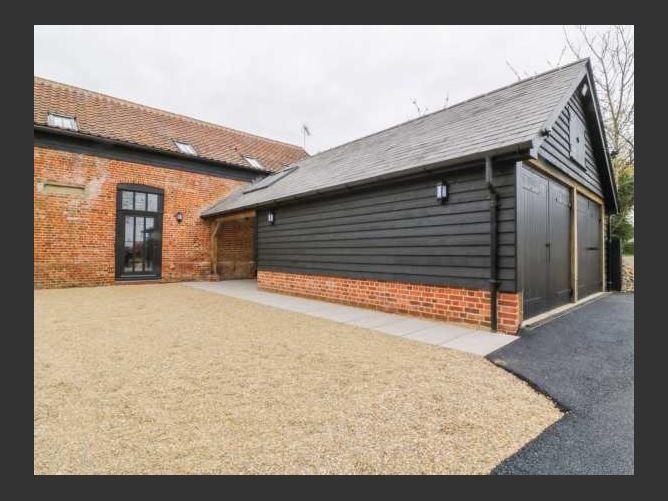 Main image for Grange Barn, FELSHAM, United Kingdom