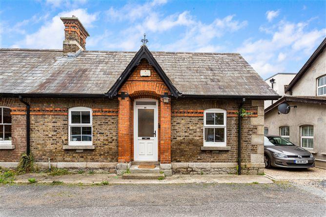 Main image for 13 Pembroke Cottages, Dundrum, Dublin