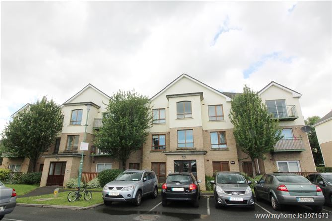 27 The Green, Larch Hill, Santry,   Dublin 9