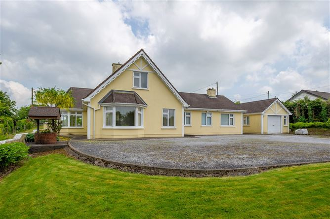 Main image for Strawhall, Fermoy, Cork