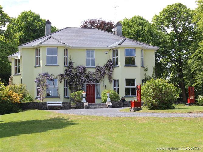 Main image for Connemara Gateway Lodge,Oughterard, Connemara,  Galway, Ireland