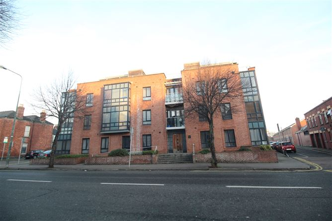16 Valentia House, North Circular Road, Dublin 7