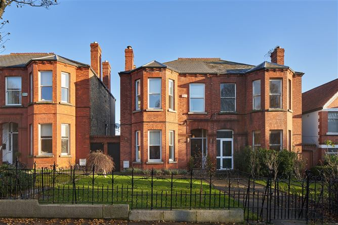 Main image for 53 Hollybrook Road, Clontarf,   Dublin 3