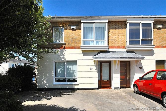 19 Riverwood Green, Castleknock, Dublin 15, D15 H3C5.