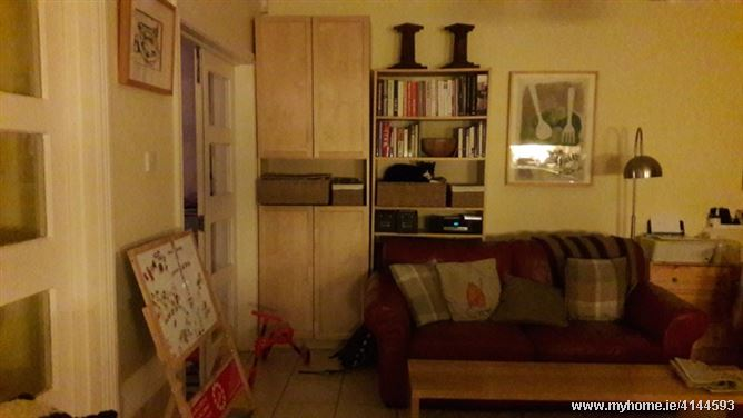 Friendly home **FEMALE GUESTS ONLY PLEASE**, Blackrock, Co. Cork