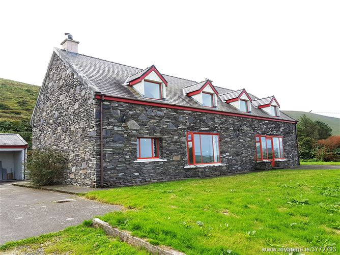 Ref 692 - Detached Residence, Pound , Portmagee, Kerry