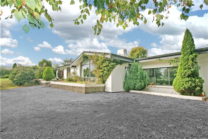 Main image for 1 Tullyglass Hill,Shannon,Co Clare,V14 TN36