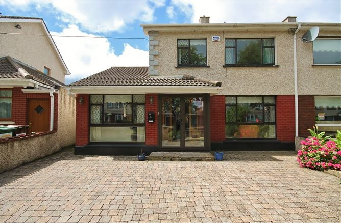 61 Tymon Crescent, Old Bawn, Tallaght, Dublin 24