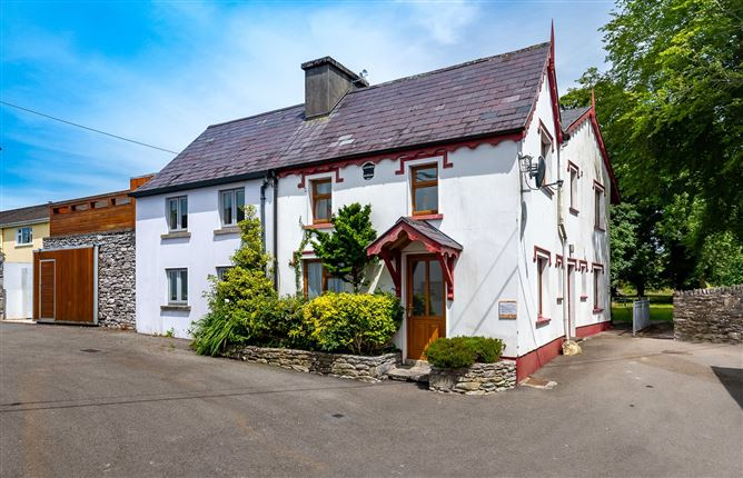 Main image for 1 Victoria Terrace,Kenmare,Co Kerry,V93 DAO7