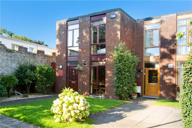 Main image for 4 Woodlawn Grove,Churchtown Road Lower,Dublin 14,D14 HY31