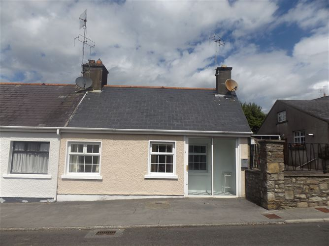 Main image for 1 Glebe View, Roscrea, Tipperary