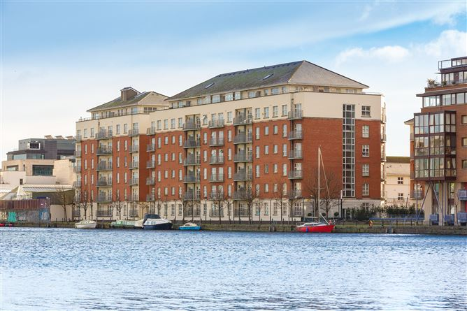 Main image for 64 The Waterside, Charlotte Quay Dock, Grand Canal Dk, Dublin 4