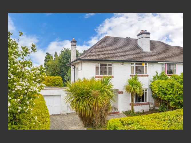 Main image for 82 The Rise, Mount Merrion, Co Dublin, Mount Merrion, County Dublin