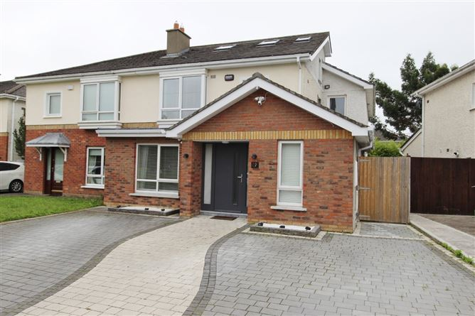 Main image for 17 Riverwood Chase, Castleknock, Dublin 15