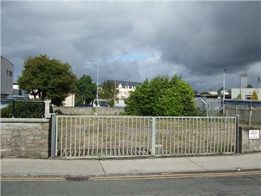 Main image of Leitrim Road, Carrick-on-Shannon, Leitrim