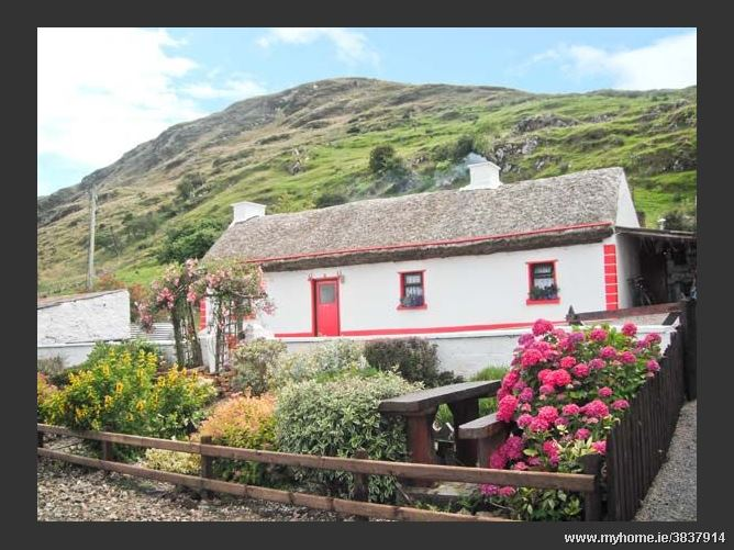 Cronkeerin Thatched Cottage, ARDARA, COUNTY DONEGAL, Rep. of Ireland