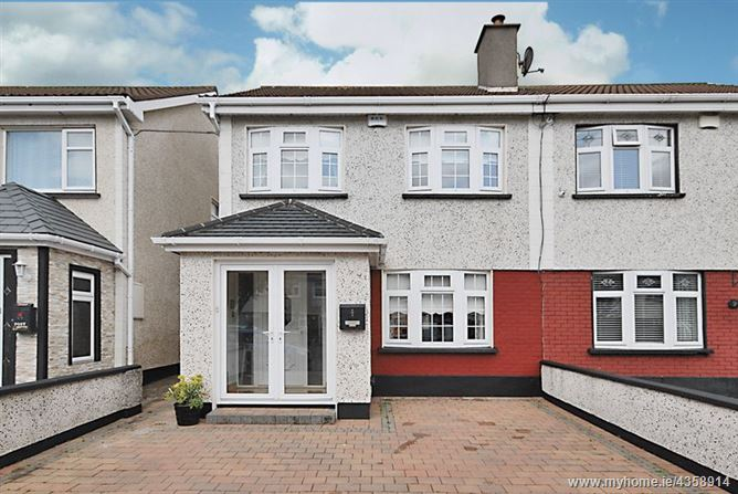 7 Oakview Close, Clonsilla, Dublin 15. D15 N2RH