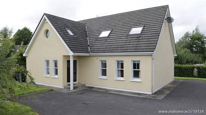 6 Oak Park, Narraghmore, Kilcullen, Kildare