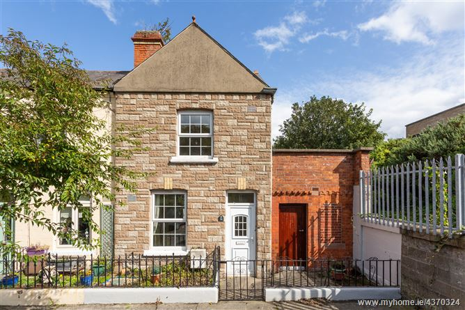 Main image for 50 Aikenhead Terrace, Stella Gardens, Ringsend, Dublin 4