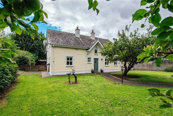Tus an Nua, Osberstown Cottages, Osberstown Naas, Co. Kildare, W91 A5FR
