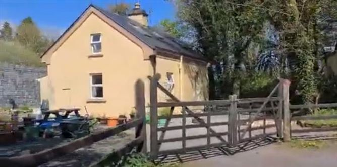 Main image for Knockeenbwee, Drimoleague, West Cork