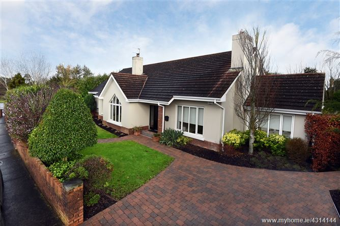 Main image for 14 Foxwood Drive, Garryduff, Rochestown, Cork