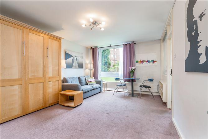 Main image for 7 Rowan House, Mespil Estate, Donnybrook, Dublin 4
