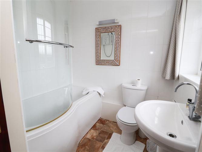 Main image for Shooter's Lodge,Wem, Shropshire, United Kingdom