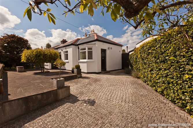1 Grotto Avenue, Booterstown,   County Dublin