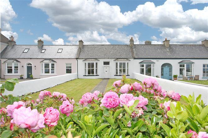 Main image for 3 Victoria Terrace, Kilkee, Clare, V15FY61