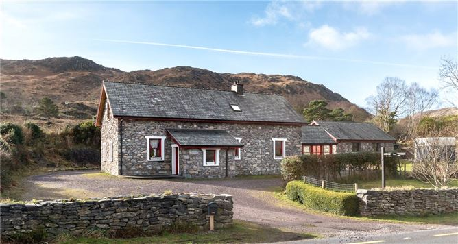 Main image for Shelbourne School House, Gortrooskagh, Kenmare, Co Kerry, V93 P7WX