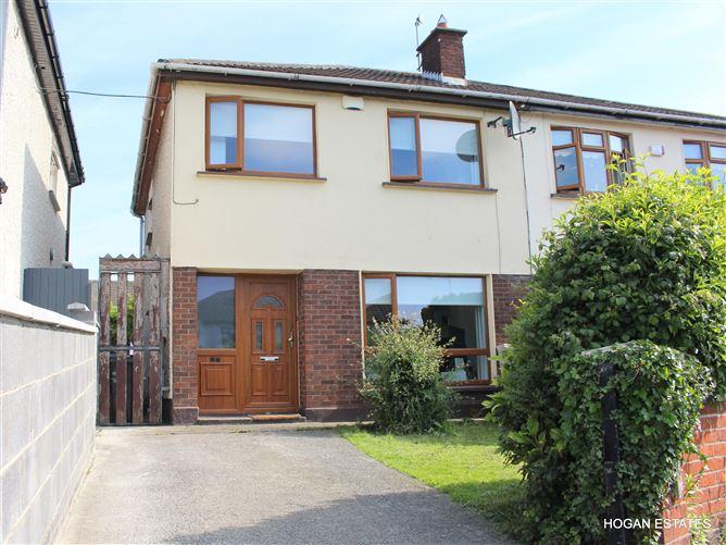 Main image for 27 Oakcourt Grove, Palmerstown, Dublin 20, D20 HR66