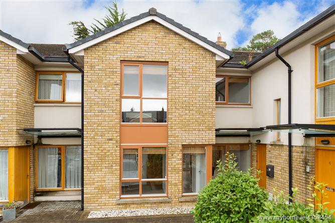 Main image for 4 The Courtyard, Milltown Ave, Milltown, Dublin 6