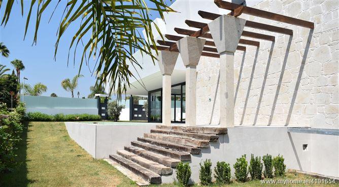 Main image for La Cerquilla, Puerto Banus, Andalusia, Spain