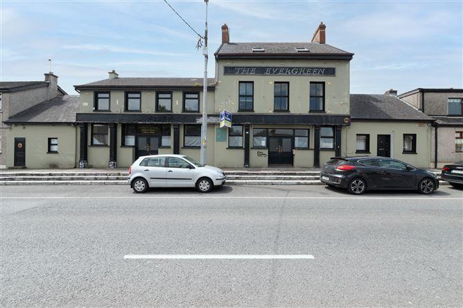 Main image for Evergreen Bar, 31-35 Evergreen Road, Turners Cross, Cork City, T12 DD51