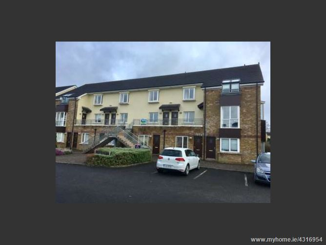 Drumharlow, Shannon Court, Carrick-on-Shannon, Leitrim