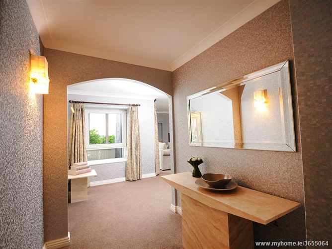Luxury Hotel Suite ,Old Dublin Rd, Galway, Ireland