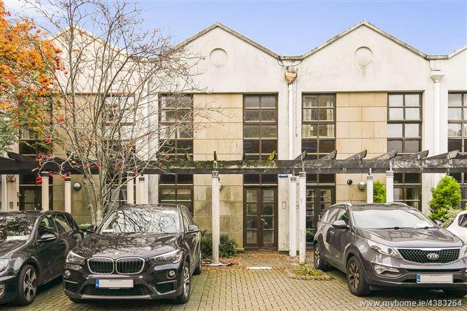 Main image for 4 Hilton Mews, Harcourt Terrace , Dublin 2, Dublin